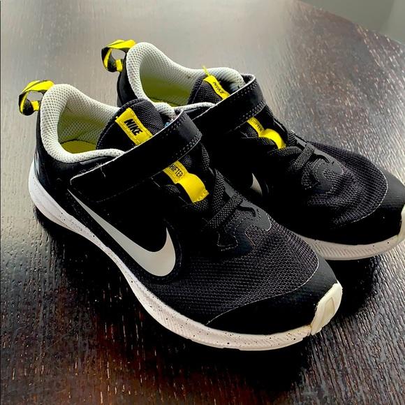 Boys Nike Downshifter Shoes